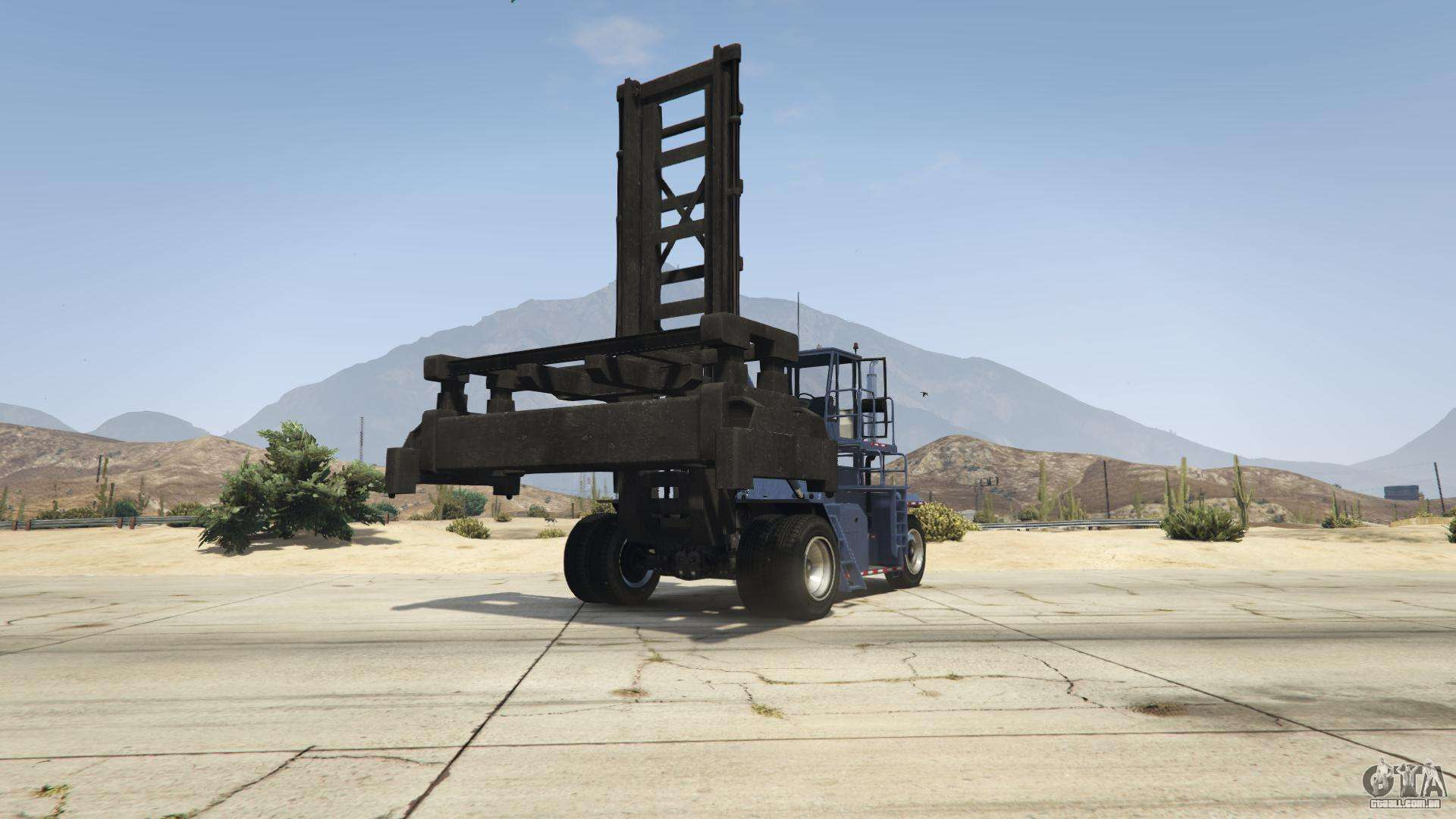 GTA 5 HVY Dock Handler - vista frontal