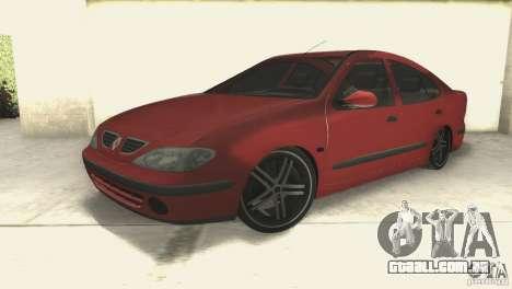 Renault Megane 2000 para GTA San Andreas vista direita