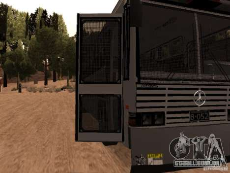 Mercedes Benz SWAT Bus para GTA San Andreas vista traseira