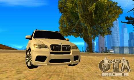 BMW X5M 2013 v2.0 para GTA San Andreas traseira esquerda vista