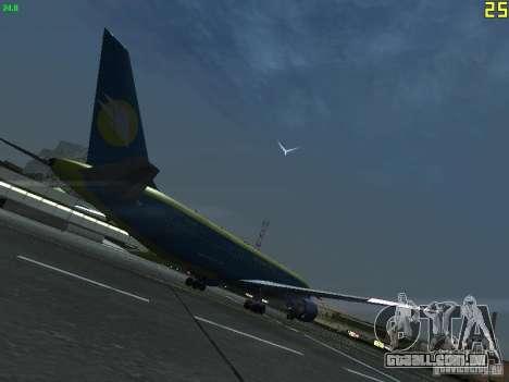 Boeing 767-300 AeroSvit Ukrainian Airlines para GTA San Andreas vista direita