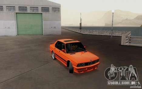 BMW M5 E28 para GTA San Andreas vista direita
