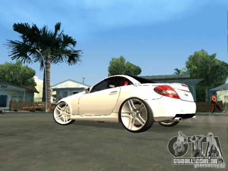 Mercedes Benz SLK 300 para GTA San Andreas esquerda vista