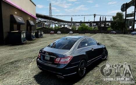 Mercedes Benz E500 Coupe para GTA 4 traseira esquerda vista