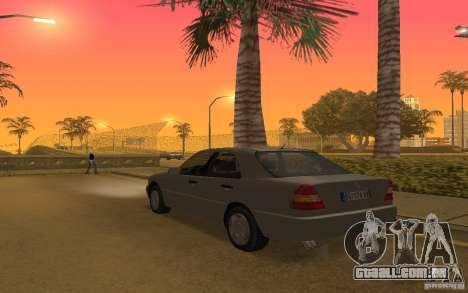 Mercedes Benz C220 para GTA San Andreas vista direita