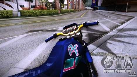 Yamaha DT 180 para GTA San Andreas vista direita