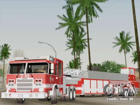Pierce Arrow XT LAFD Tiller Ladder Truck 10 para GTA San Andreas interior