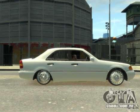 Mercedes-Benz C220 W202 para GTA 4 esquerda vista