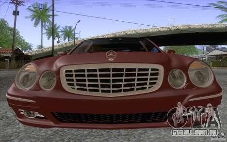 Mercedes-Benz E320 para GTA San Andreas vista direita