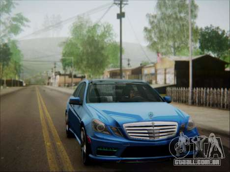 Mercedes-Benz E63 AMG 2010 para GTA San Andreas vista inferior