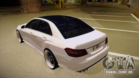 Mercedes-Benz E63 6.3 AMG Tedy para GTA San Andreas vista traseira