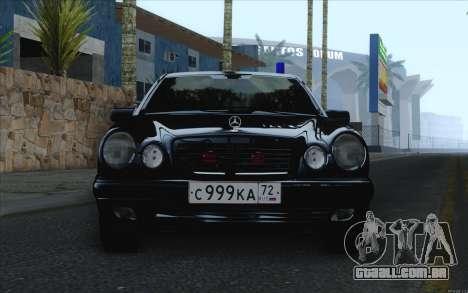 Mercedes-Benz E420 para GTA San Andreas traseira esquerda vista