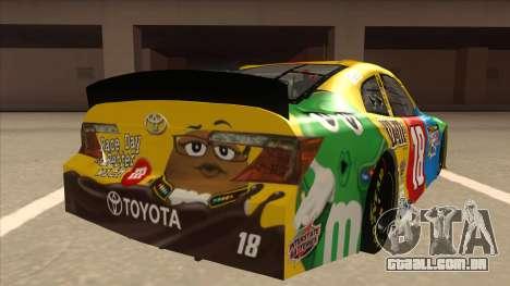 Toyota Camry NASCAR No. 18 MandMs para GTA San Andreas vista direita