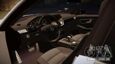 Mercedes-Benz E63 6.3 AMG Tedy para GTA San Andreas vista interior