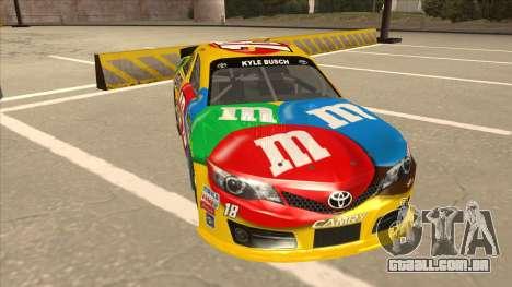 Toyota Camry NASCAR No. 18 MandMs para GTA San Andreas esquerda vista