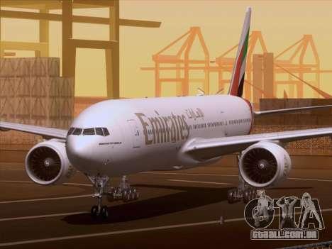 Boeing 777-21HLR Emirates para GTA San Andreas esquerda vista