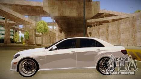 Mercedes-Benz E63 6.3 AMG Tedy para GTA San Andreas traseira esquerda vista