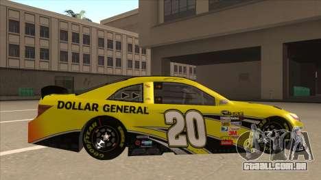 Toyota Camry NASCAR No. 20 Dollar General para GTA San Andreas traseira esquerda vista