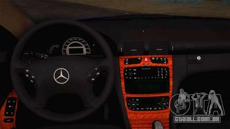 Mercedes-Benz C320 Elegance 2004 para GTA San Andreas vista interior