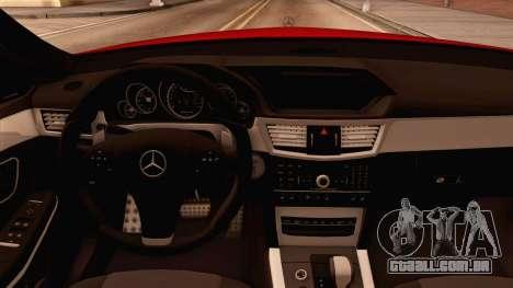 Mercedes-Benz E63 AMG para GTA San Andreas traseira esquerda vista