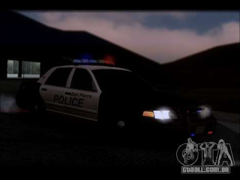 Ford Crown Victoria 2005 Police para GTA San Andreas interior