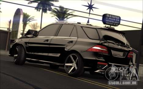 Mercedes-Benz ML63 AMG para GTA San Andreas esquerda vista