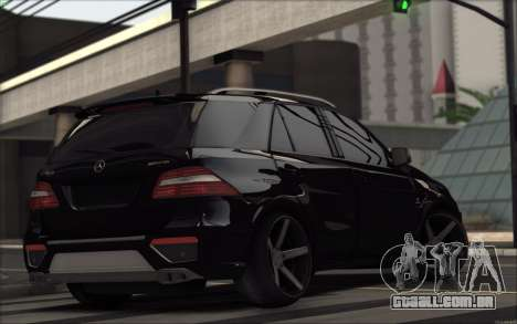 Mercedes-Benz ML63 AMG para GTA San Andreas vista direita