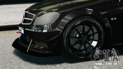 Mercedes-Benz C63 AMG Black Series 2012 para GTA 4 vista direita