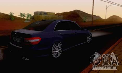 Mercedes-Benz E63 AMG para GTA San Andreas vista superior