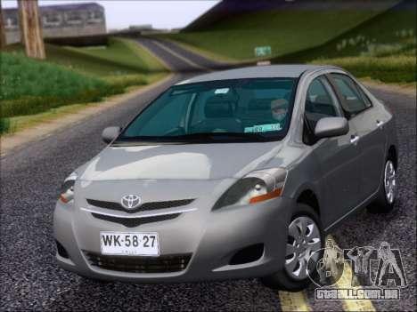 Toyota Yaris 2008 Sedan para GTA San Andreas esquerda vista