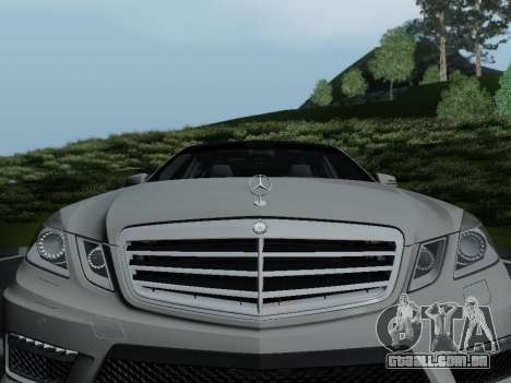 Mercedes-Benz E63 AMG para vista lateral GTA San Andreas