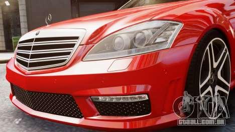 Mercedes-Benz S65 W221 AMG v1.3 para GTA 4 vista direita