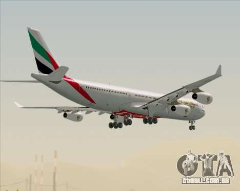 Airbus A340-313 Emirates para GTA San Andreas vista inferior