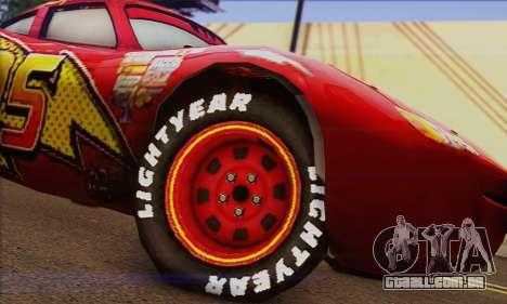 Lightning McQueen para GTA San Andreas traseira esquerda vista