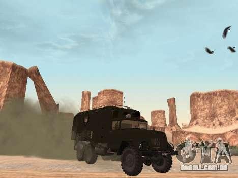 ZIL 131 Kung para GTA San Andreas esquerda vista