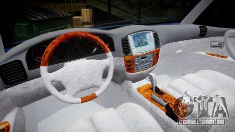 Toyota Land Cruiser para GTA 4 vista de volta