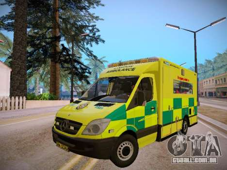 Mercedes-Benz Sprinter London Ambulance para GTA San Andreas