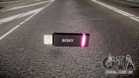 A unidade flash USB da Sony roxo para GTA 4
