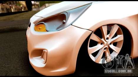 Hyundai Accent Blue para GTA San Andreas vista direita