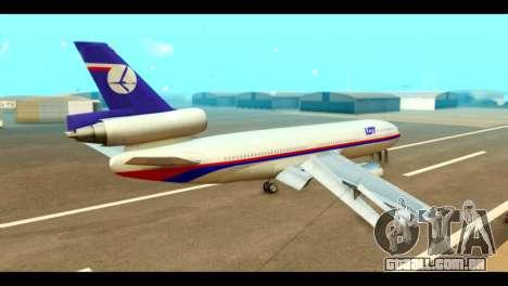 DC-10-30 PLL LOT para GTA San Andreas esquerda vista