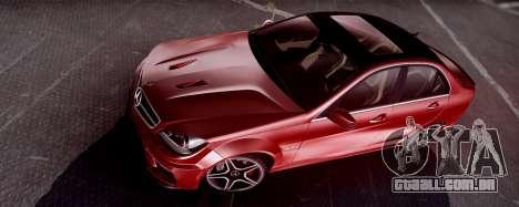 Mercedes-Benz C63 AMG 2013 para GTA San Andreas esquerda vista