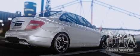 Mercedes-Benz C63 AMG 2013 para GTA San Andreas vista direita