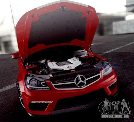 Mercedes-Benz C63 AMG 2013 para GTA San Andreas vista inferior