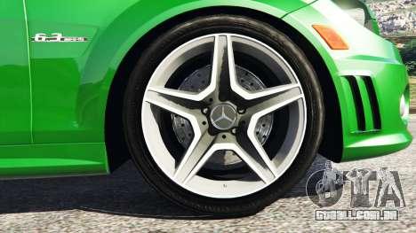 GTA 5 Mercedes-Benz C63 (W204) AMG traseira direita vista lateral
