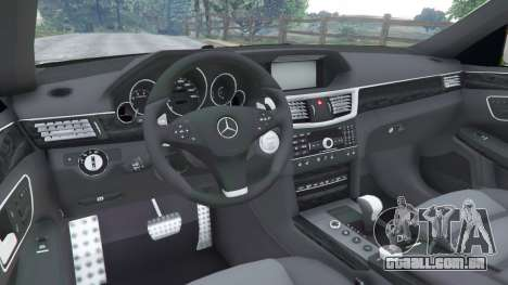 GTA 5 Mercedes-Benz E63 (W212) AMG v1.1 vista lateral direita