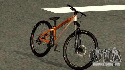 GT La Bomba 2013 para GTA San Andreas