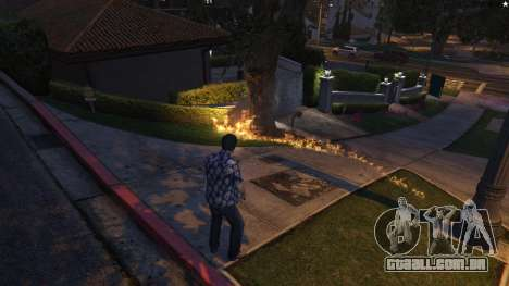 GTA 5 4K Fire Overhaul 2.0 quinta imagem de tela