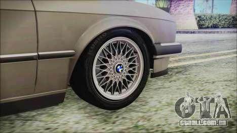 BMW 320i E21 1985 LT Plate para GTA San Andreas traseira esquerda vista