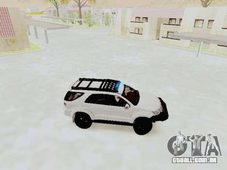 Toyota Fortuner 4WD 2015 Rustica V2 para GTA San Andreas esquerda vista