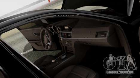 Mercedes-Benz E63 AMG PML Edition para GTA San Andreas vista inferior